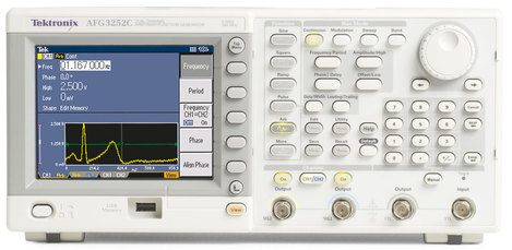 Générateur de fonctions arbitraires 2 voies 25 Mhz   AFG 3022C