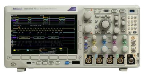 Oscilloscope numérique  domaine 4 voies 200 MHz, 2,5 Géch/s, 10 000 000 points + 1 voie RF MDO 3024