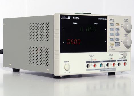 Alimentation numérique 3 voies  programmables, 2x[30 V / 3 A] , 5 V / 3 A, puissance 195 W  FI 1533