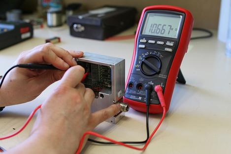 Multimètre numérique portable TRMS AC, 20 000 points, avec fonction VFD  FI287MP